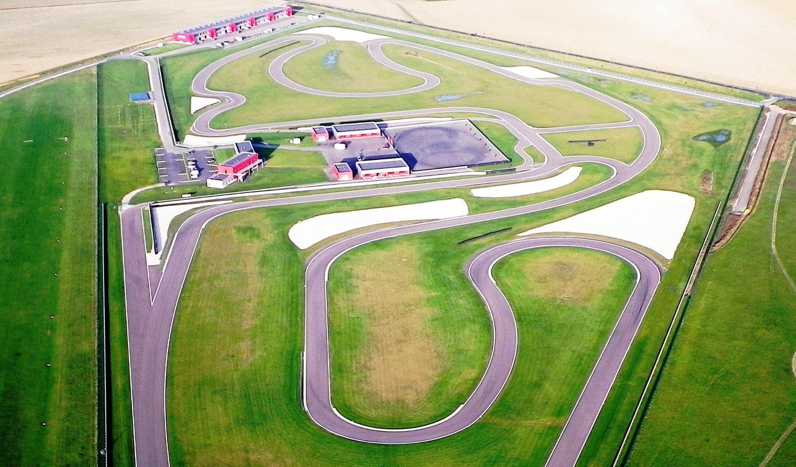 Vue aérienne des pistes des CircuitsLFG